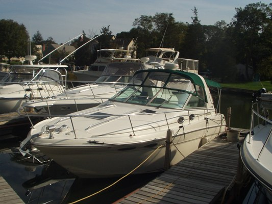 Pre-Owned 2001 Sea Ray 290 Sundancer. Exceptionally clean 2001 Wide Beam 290 ...